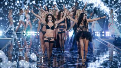 Victoria's Secretin enkelit lavalla